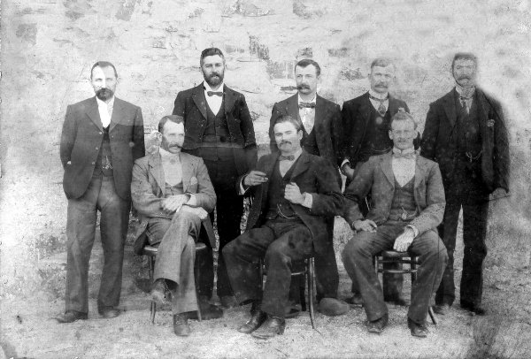 FIRST COUNCIL 1900-1.JPG (65497 bytes)