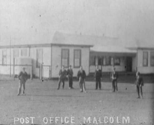 Post Office Malcolm.jpg (35268 bytes)